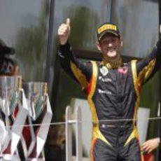 Romain Grosjean disfruta de su momento en el podio