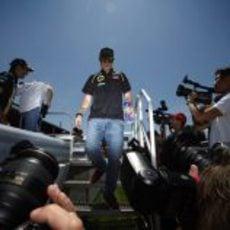Kimi Räikkönen, centro de todas las miradas
