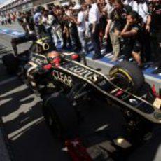 Romain Grosjean vuelve al pitlane