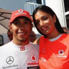 Lewis Hamilton y Nicole Scherzinger tras la victoria de McLaren