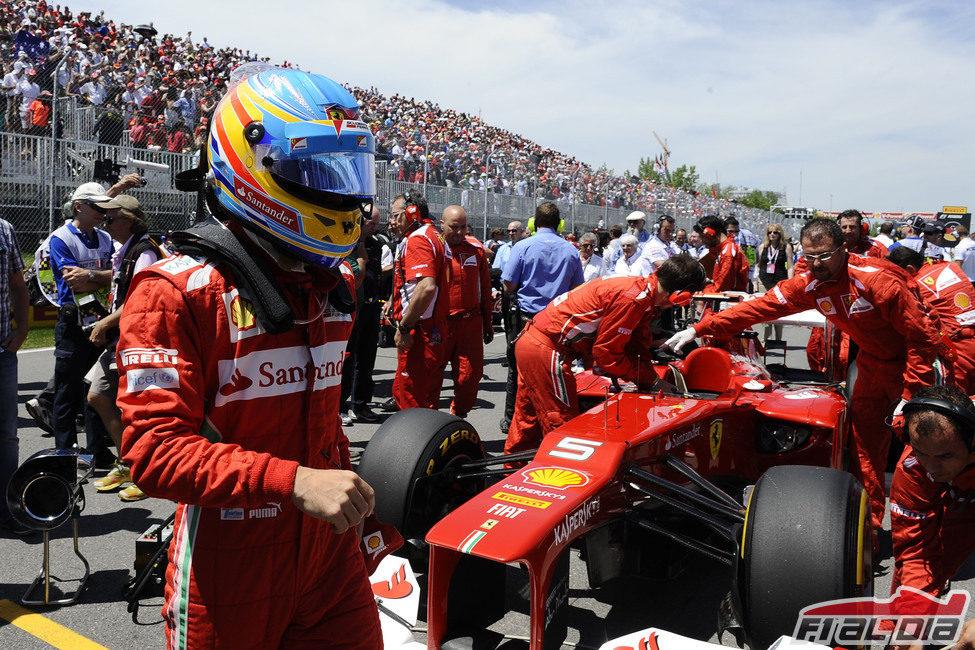 Fernando Alonso se prepara antes de la carrera de Canadá