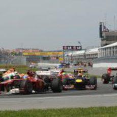 Fernando Alonso completa las primeras curvas del GP de Canadá 2012