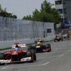 Fernando Alonso trata de mantener posición en Canadá