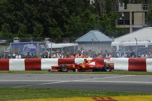 Felipe Massa se sale de pista en la carrera de Canadá