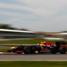 Mark Webber perdió tres posiciones en Montreal