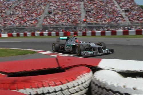 Michael Schumacher busca los límites en Montreal