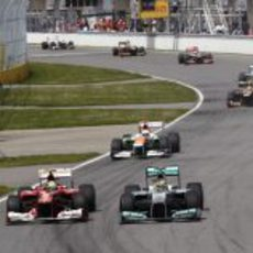 Pelea en la parte alta del Gran Premio de Canada
