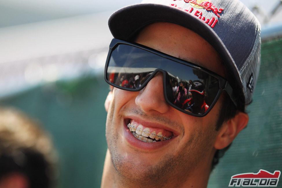 Daniel Ricciardo sonríe en Montreal