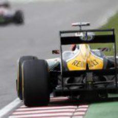 Heikki Kovalainen escapa del muro de los campeones