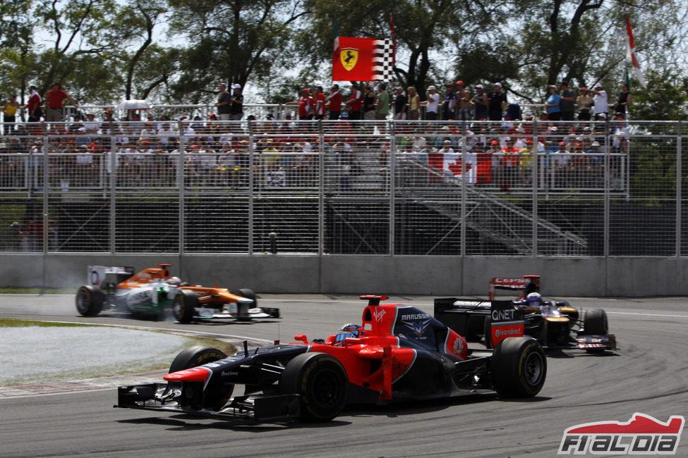 Timo Glock contiene a los pilotos que cambiaron neumáticos