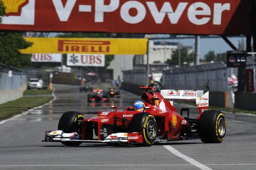 Fernando Alonso afronta la última chicane