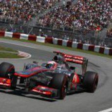 Jenson Button prueba los superblandos en clasificación