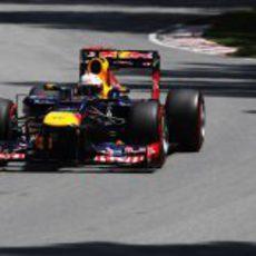 Sebastian Vettel conduce directo a la 'pole' en Canadá