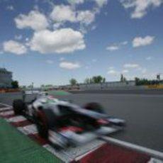 Sergio Pérez vuela en el circuito canadiense de Montreal