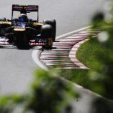 Jean-Eric Vergne pilota el STR7 en el circuito canadiense