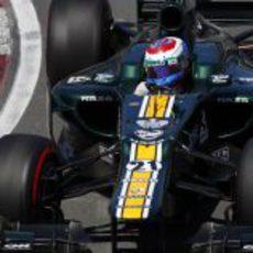 Vitaly Petrov rueda en la clasificación del GP de Canadá 2012