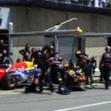 Parada de boxes para Vettel en Canadá 2012
