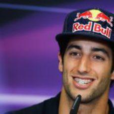 Daniel Ricciardo en la rueda de prensa de la FIA en Valencia