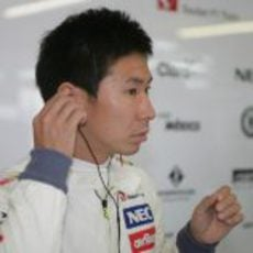 Kamui Kobayashi se prepara en el 'box'