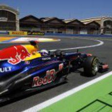 Sebastian Vettel camino de la 'pole' en Valencia 2012