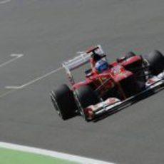 Fernando Alonso rueda en la clasificación del GP de Europa 2012