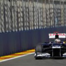 Pastor Maldonado prueba los neumáticos medios en Valencia