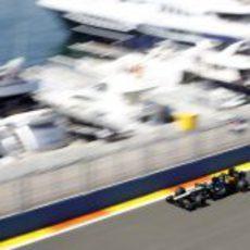 Vitaly Petrov durante la Q1 de la clasificación del GP de Europa