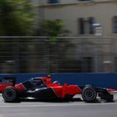 Charles Pic completa una vuelta en el circuito de Valencia