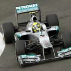 El W03 de Nico Rosberg rueda en el valencia Street Circuit