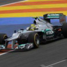 Nico Rosberg completa una tanda con neumáticos blandos