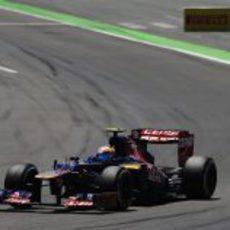 Jean-Eric Vergne exprime el STR7 en el Valencia Street Circuit