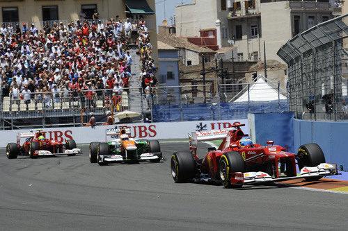 Fernando Alonso mantiene su posición tras su parada