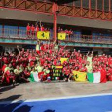 Ferrari celebra la victoria de Fernando Alonso en Valencia