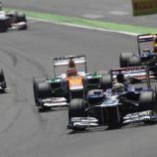 Pastor Maldonado lucha por posiciones en el GP de Europa