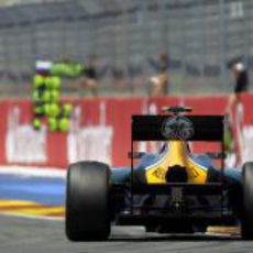 Vitaly Petrov se quedó sin puntos en Valencia