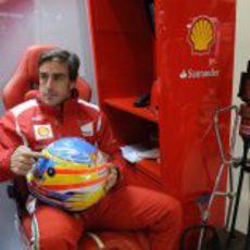 Fernando Alonso homenajea a María de Villota