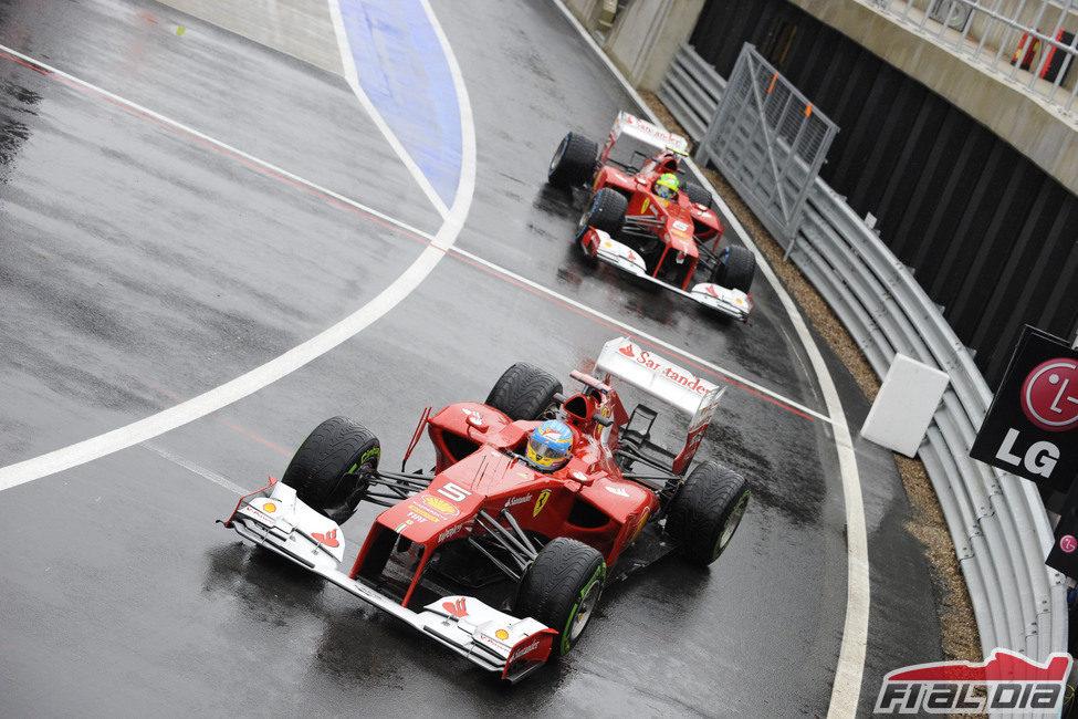 Fernando Alonso y Felipe Massa en Silverstone