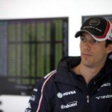 Bruno Senna espera su oportunidad en el box
