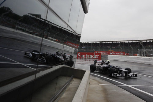 Valtteri Bottas rueda en Silverstone