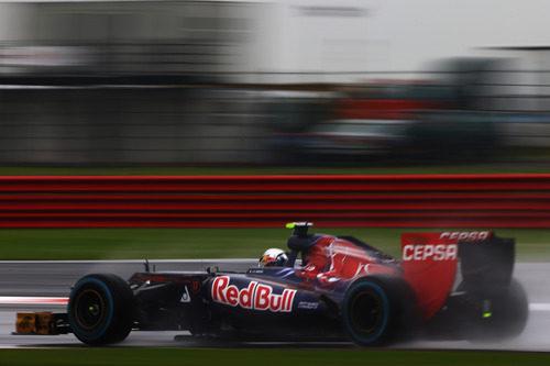 Jean-Eric Vergne rueda en los Libres 1 del GP de Gran Bretaña