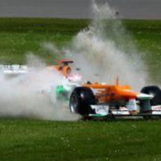 Paul di Resta se sale de la pista de Silverstone