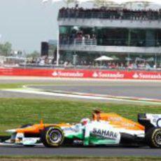 Paul Di Resta apenas pudo completar un par de vueltas en el GP de Gran Bretaña 2012