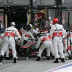 Jenson Button hace una parada en Silverstone