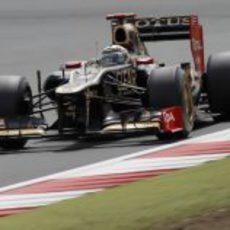 Kimi Räikkönen a los mandos del E20 en Silverstone