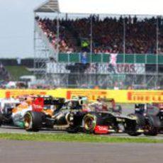 Romain Grosjean perdió posiciones en la salida