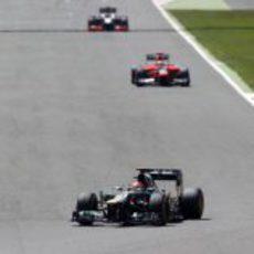 Heikki Kovalainen mantiene su posición delante de Marussia