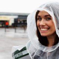 Una guapa aficionada en el GP de Gran Bretaña 2012