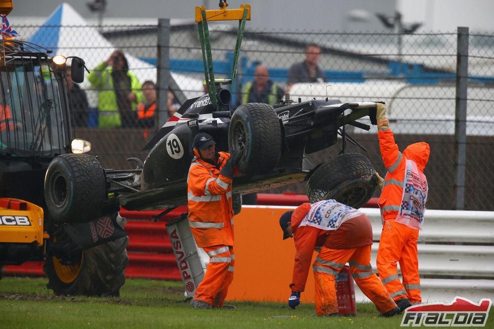 Accidente de Bruno Senna en los libres de Silverstone 2012