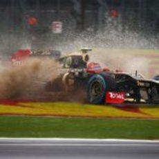 Salida de pista de Romain Grosjean en el GP de Gran Bretaña 2012
