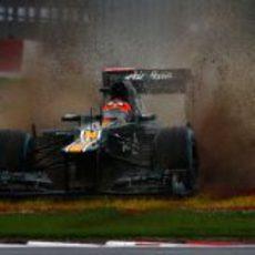 Salida de pista de Heikki Kovalainen en Silverstone